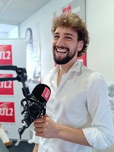 Robin animateur de RTL2 Languedoc Roussillon sur le boulevard Felix Mercader de Perpignan (® RTL2 Languedoc-Roussillon)