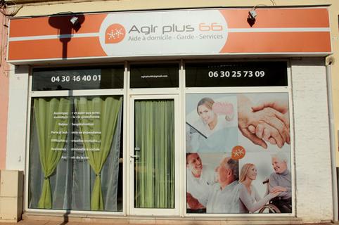 Vitrine de l'agence Agir Plus 66 spécialiste de services à domicile et d'aides à la personne sur Perpignan et ses environs (credits photos :networld-S.Delchambre)