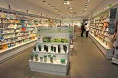Beauty Success proposant parapharmacie, parfumerie et soins de beaute dans le centre commercial La Salanca de Claira (credits photos : EDV-Stephane Delchambre)