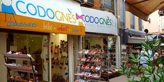 Codognes Perpignan est un magasin de chaussures au centre-ville de Perpignan qui vend des chaussures pour hommes, femmes et enfants.