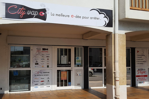 City Vap Perpignan Cigarettes électroniques, e-liquides et accessoires pour les vapoteurs en boutique dans le quartier Moulin à Vent et sur un site de vente en ligne. (® City Vap)