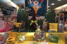 Chocolats de Pâques Perpignan chez de Neuville qui vend des oeufs en chocolat, des poules...