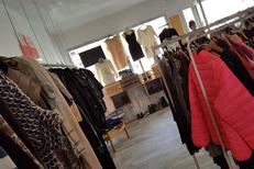 Vêtement occasion Perpignan moins cher chez Dress and Coffee Perpignan qui propose des habits et des accessoires de mode