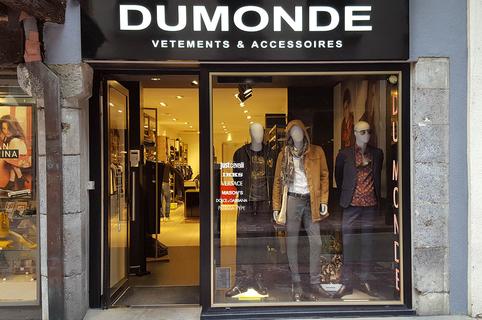 Du Monde Perpignan vend des vêtements Homme en centre-ville avec des marques haut de gamme (® SAAM-D.Gontier)