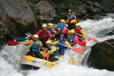Rafting 66 organisé par Exterieur Nature Marquixanes sur la base d'eaux vives (®Exterieur Nature)
