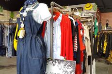 Fem'Tendance Perpignan vend des vêtements Femme au Carré d'Or du Château Roussillon (® SAAM-David Gontier)