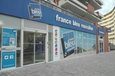 France Bleu Roussillon : ses bureaux, ses studios d'enregistrement et ses équipes en centre-ville (® radio france)