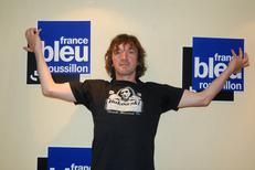 France Bleu Roussillon reçoit des artistes dans ses émissions, ce jour-là c'était Cali (® radio france)