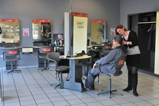 Poste de coiffure du salon de coiffure Interclass de Latour Bas Elne (credits photos : EDV-Stephane Delchambre)