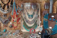 L'Anaconda Perpignan vend des bijoux et de nombreuses idées cadeaux.(® networld-david gontier)