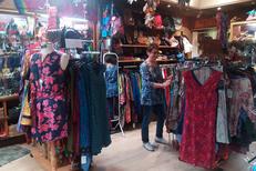 L'Anaconda Perpignan vend des vêtements du monde en centre-ville (® networld-david gontier)
