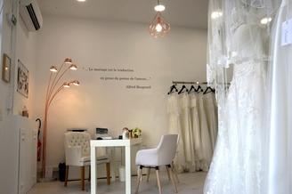 Ecrin Blanc Perpignan Boutique de mariage qui vend robe de mariée, costume de marié, robe de cocktail (® SAAM-S.Delchambre)