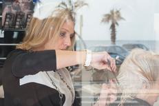 Salon de coiffure Canet en Roussillon L'Instant Coiffure face à la mer sur l'avenue de la Cote Vermeille (® NetWorld-bruno Aguje)