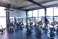 L'Orange Bleue Perpignan Salle de sport Saint Charles et son grand espace cardio avec elliptique, tapis, rameurs..au Soler.(® l'orange bleue)