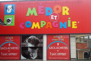 Médor et Compagnie Perpignan Magasin d'alimentation pour animaux, chien et chat propose aussi des accessoires pour les animaux de compagnie au Mas Guérido Cabestany.