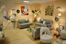 Logial le Boulou vend des meubles et des objets de décoration pour embellir votre intérieur et de nombreuses idées cadeaux ( ® SAAM-S.Delchambre)