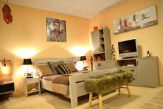 Meubles Logial du Boulou vend des meubles de chambre et des literies dans son grand magasin d'ameublement près de Perpignan (® SAAM-S.Delchambre)