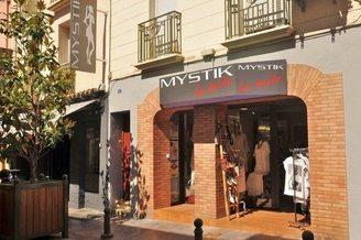 Mystik La Suite Thuir vend des vêtements Femmes en centre-ville(® networld-Stéphane Delchambre)