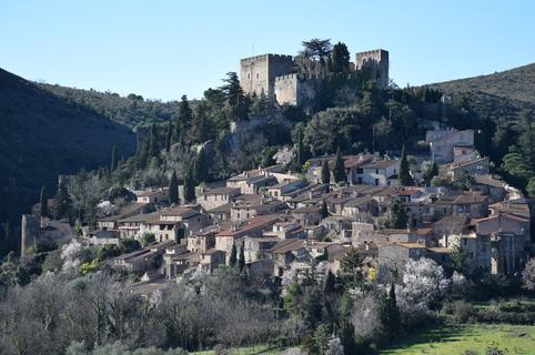 OT Aspres Thuir et ses conseils sur la découverte de Castelnou village medieval (® OT)