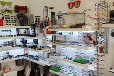 Opticien à domicile Perpignan Opticadom 66 propose un grand choix de montures pour toute la famille et vous reçoit aussi en magasin (® networld-david gontier)