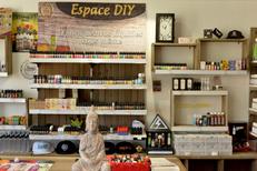 Oxygène Perpignan Boutique pour vapoteurs dédiée aux cigarettes électroniques et au vapotage propose un grand choix de e-liquides dont des DIY.(® SAAM-S.Delchambre)