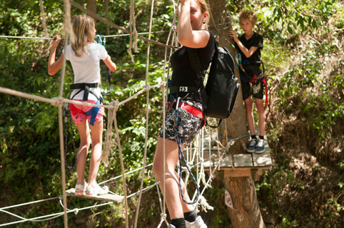 T t aventures parcours aventure forestier marquixanes for Exterieur nature marquixanes