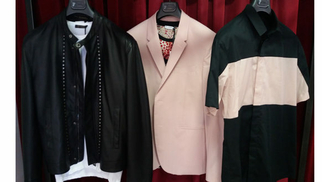 Dumonde Perpignan présente des Vêtements Homme Versace à découvrir en boutique.(® networld-david gontier)