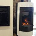 Invicta Shop Perpignan vend des poêles à bois et poêles à granulés qui permettent des économies d'énergie tout en maintenant un confort de chauffe dans votre intérieur.(® networld-Gontier)