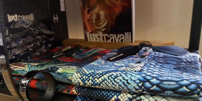 just cavalli perpignan pour homme chez dumonde perpignan shopping. Black Bedroom Furniture Sets. Home Design Ideas