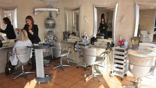 L'Instant Coiffure Studio à Canet-en-Roussillon propose des Coffrets-cadeaux, idéal pour faire plaisir à vos proches (® networld-S.Delchambre)