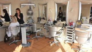 L 39 essentiel coiffure canet village propose des soins et couleurs schwarzkopf perpignan - Salon de coiffure l essentiel ...