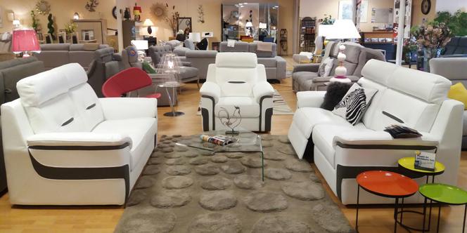 meubles logial le boulou et ses nouveaux canap s. Black Bedroom Furniture Sets. Home Design Ideas