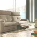 Meubles Logial Perpignan présente ses nouveaux canapés dans son grand magasin du Boulou.(® logial)