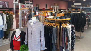 Saint Clair Boutique de mode Elne solde des vêtements et accessoires de mode pour hommes et femmes.