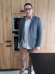 Le magasin de cuisine Perpignan Cuisaline qui vend de la cuisine équipée, de la cuisine sur mesure est dirigé par Hervé Rouquier.