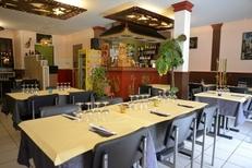 Salle lumineuse du restaurant vietnamien Le Viet Nam au centre-ville de Perpignan (credits photos: EDV-S.Delchambre)