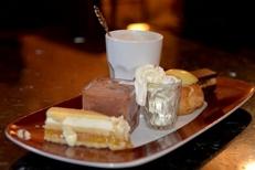 Café gourmand du salon de thé Les Enfants Gâtés au centre de Perpignan (credits photos : NetWorld-S.Delchambre)