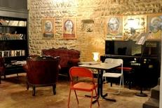 Piano-Bar au salon de thé Les Enfants Gâtés au centre de Perpignan (credits photos : NetWorld-S.Delchambre)