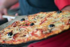 Pizza gourmande de la pizzeria Pizza Aldo de Perpignan sur le boulevard Aristide Briand. (credits photos :EDV-Laurent Nyilasi)