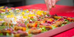 Traiteur Perpignan avec des plats à emporter, des formules pour repas de groupe ou évènements (®  networld- Benoist Girard)